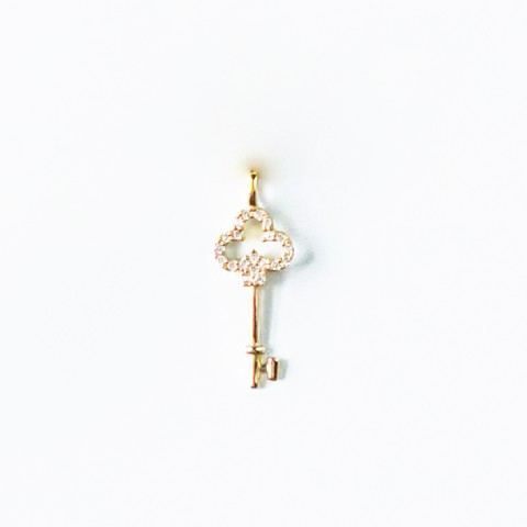 9K GOLD - KEY PENDANT